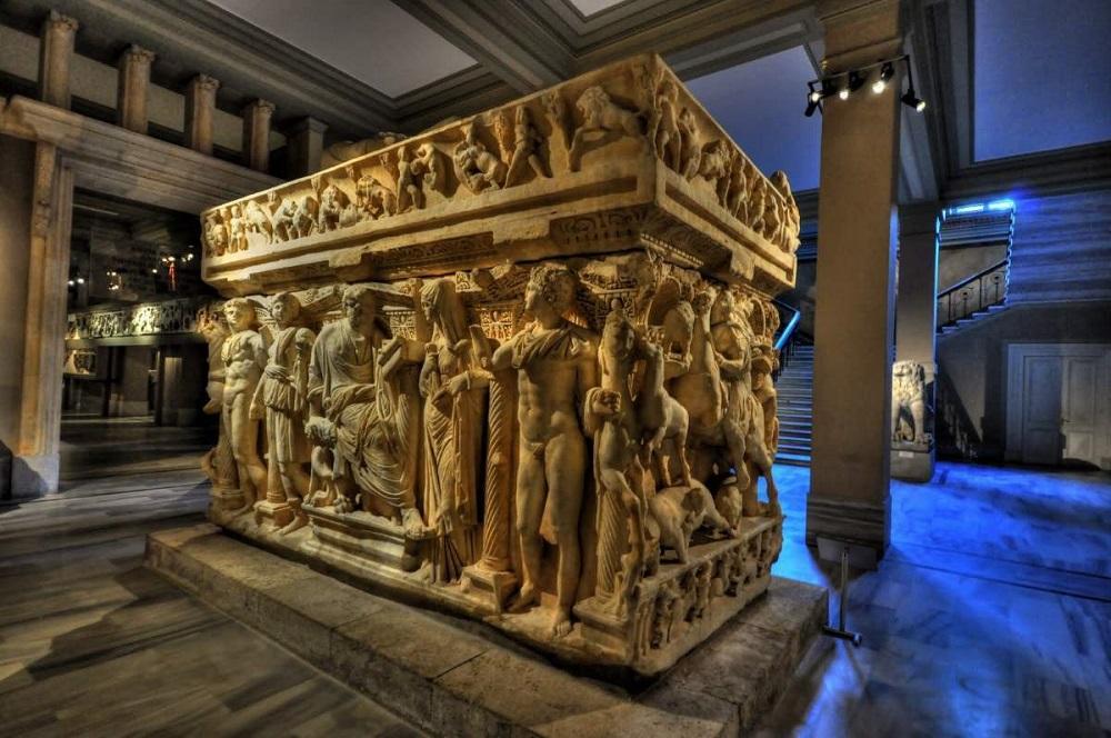 مجموعه اشیایی که در موزه شرق باستان استانبول نگهداری می شوند