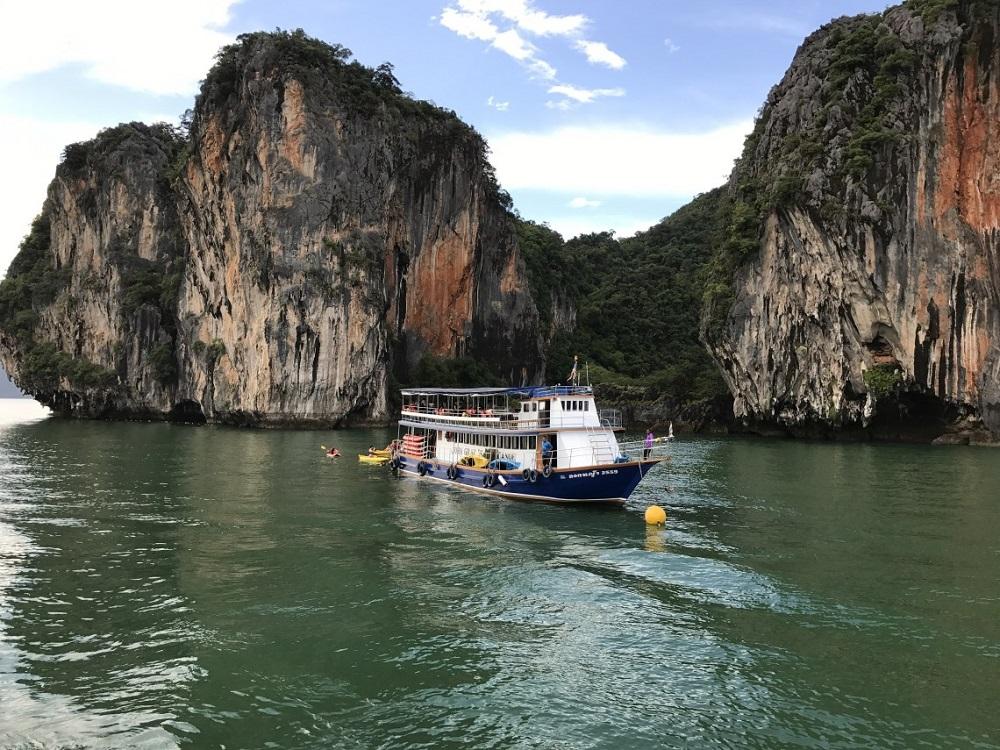 قایق سواری در خلیج فانگ نگا پوکت
