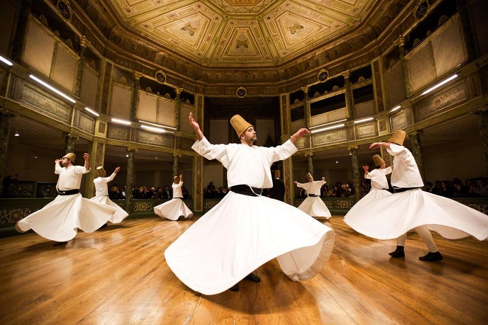 اجرای رقص درویشان در موزه ادبیات دیوان استانبول