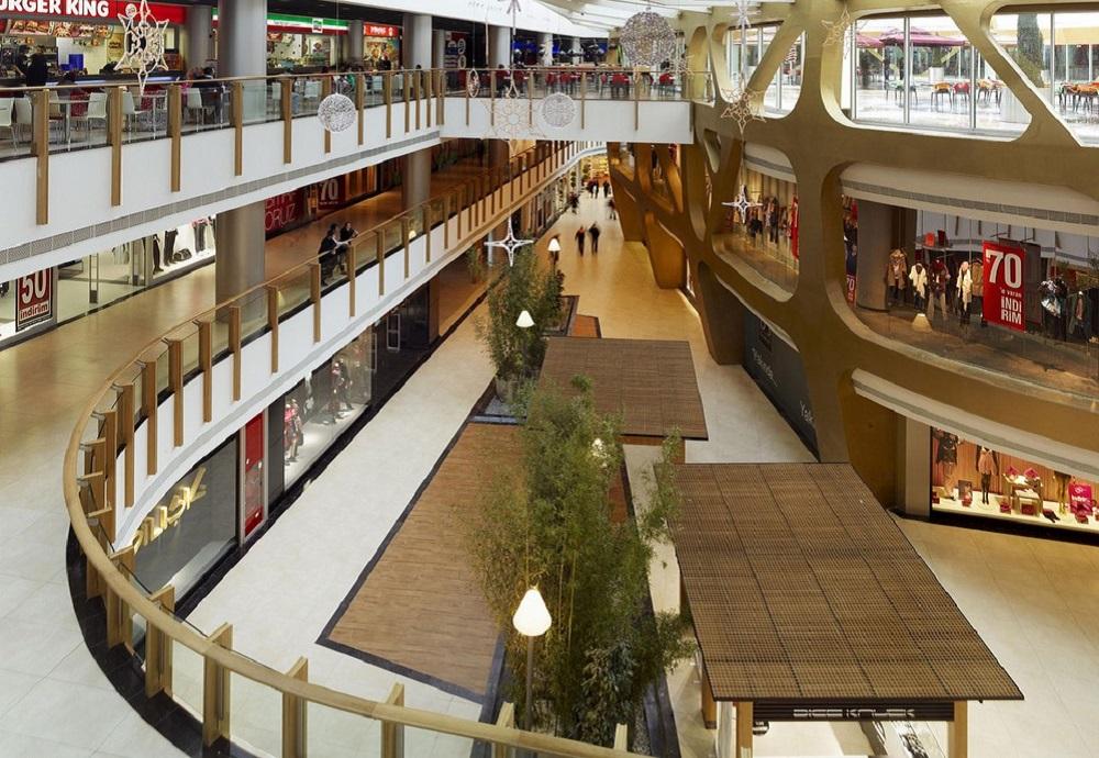 امکانات تفریحی و دیگر خدمات این مرکز خرید استانبول