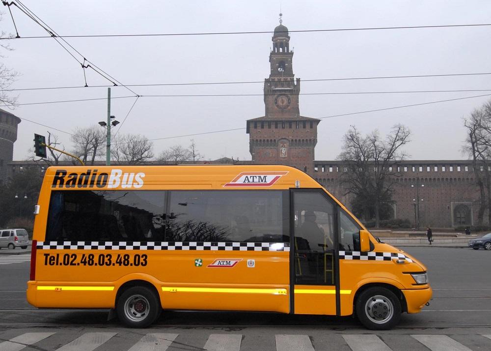 اتوبوس رادیویی در میلان