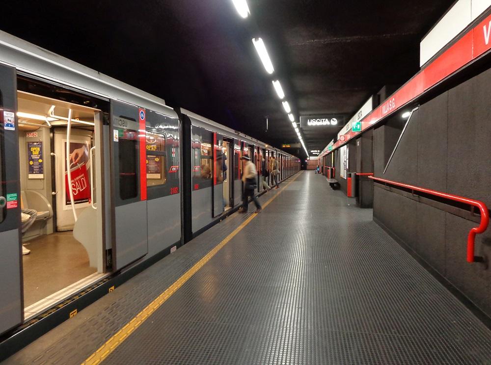 مترو در میلان