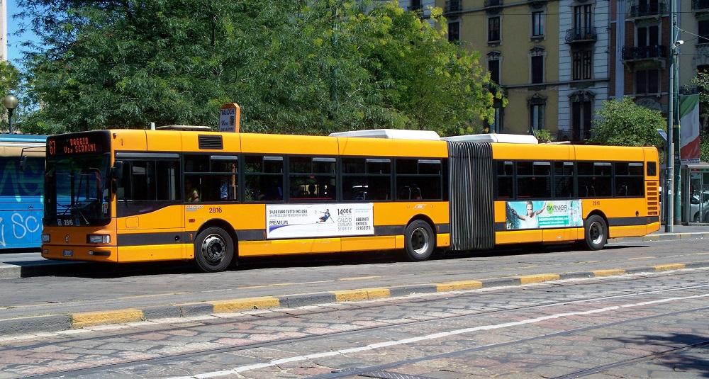 اتوبوس  و تراموا در میلان