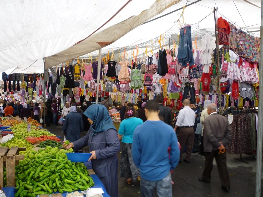 جمعه بازار فیندیک زاده استانبول