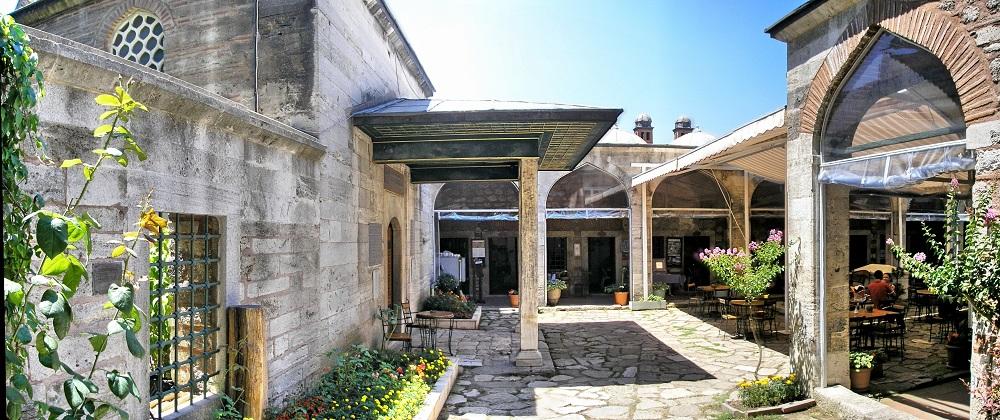 تاریخچه ساخت مدرسه کافر آغا استانبول