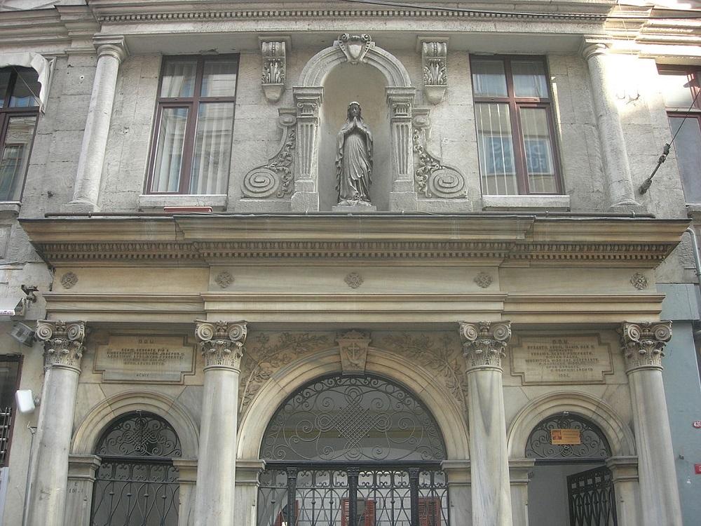 کلیسای سنت کاری دریپریز استانبول