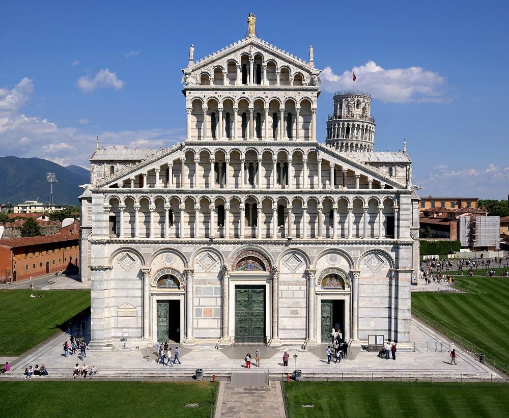 کلیسای جامع پیزا در ایتالیا
