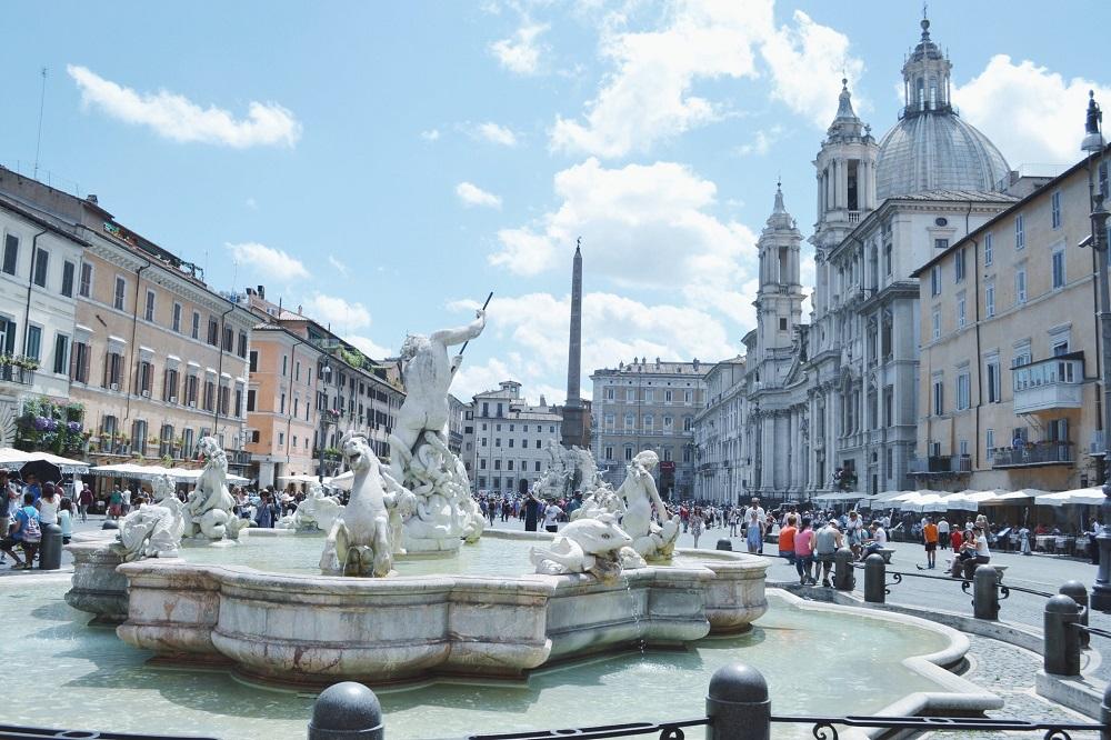 میدان ناوونا در رم