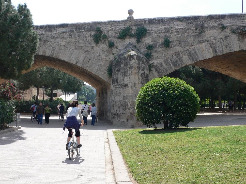 تفریحات مهیج ارائه شده در پارک توریا والنسیا