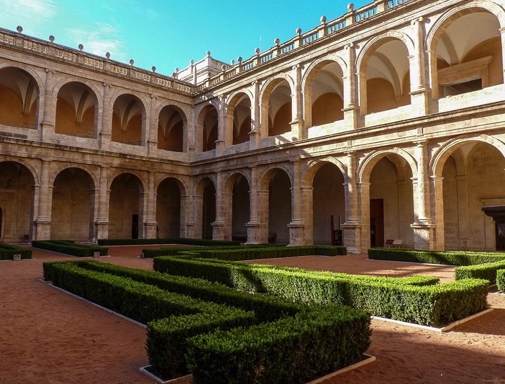 سبک معماری صومعه سان میگوئل د لو ریز