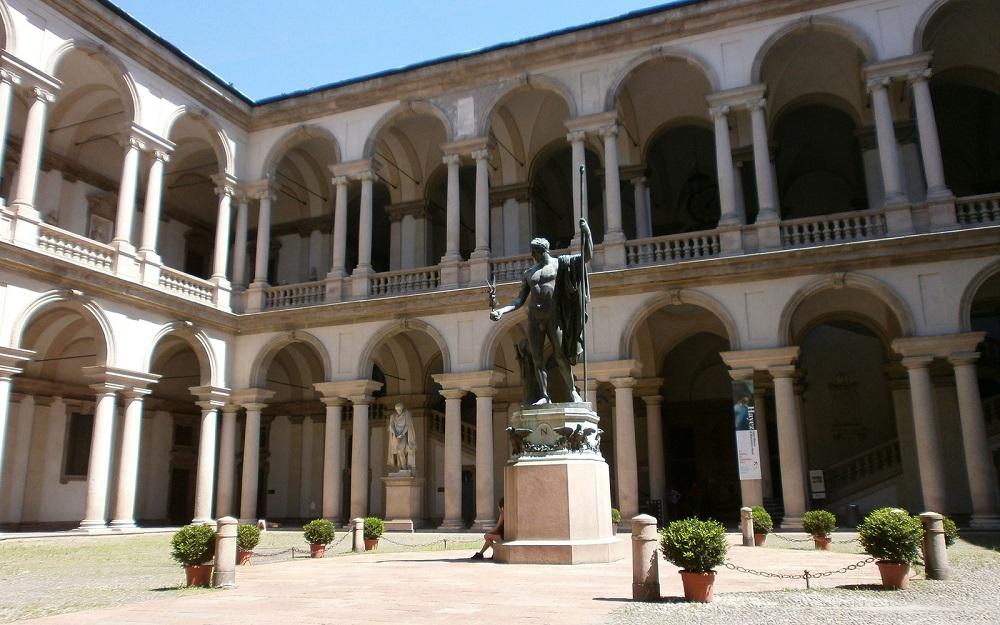 گالری هنر پیناکوتئا دبررا میلان
