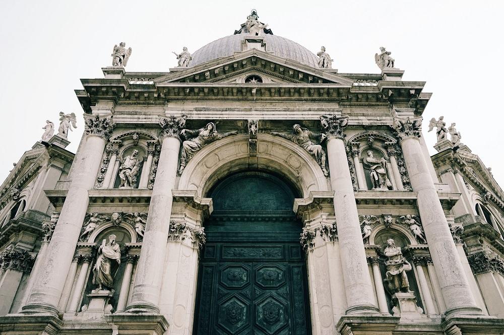 طراحی و معماری کلیسای سانتا ماریا دلا سلو