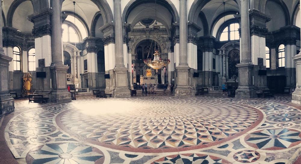 قسمت های مختلف کلیسای سانتا ماریا دلا سلو ونیز