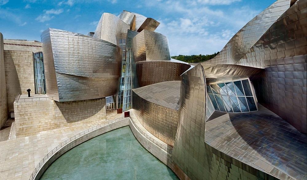 نمای ساختمان موزه گونگهایم در بیلبائو