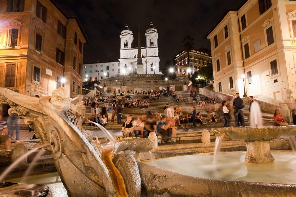 ستون های هرمی سنگی پله های اسپانیایی رم