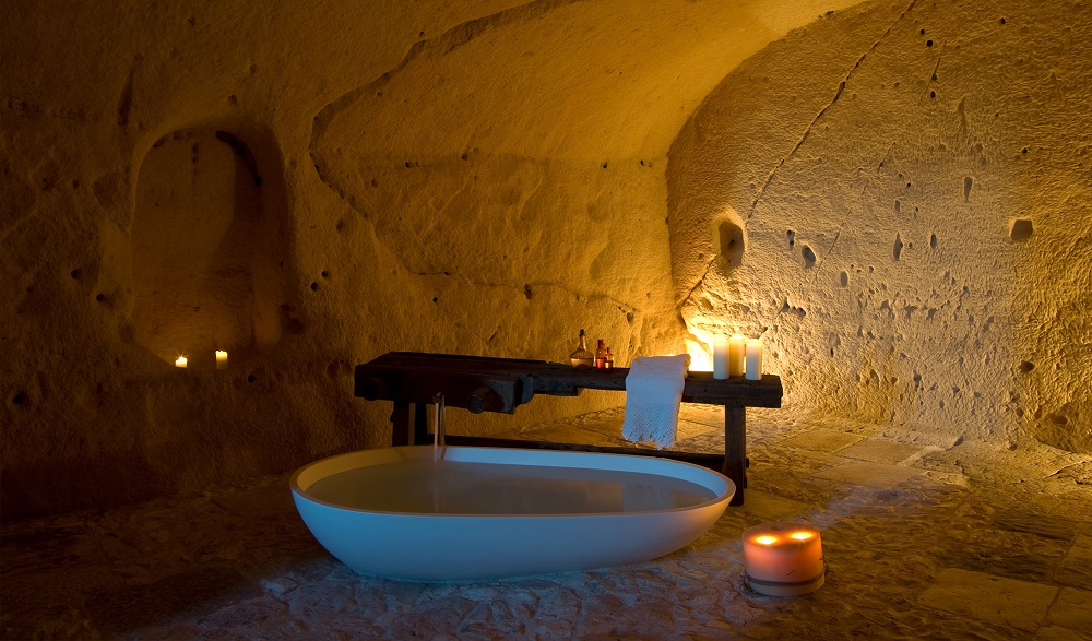 از غارهای ماترا در ایتالیا چه استفاده هایی می شود؟