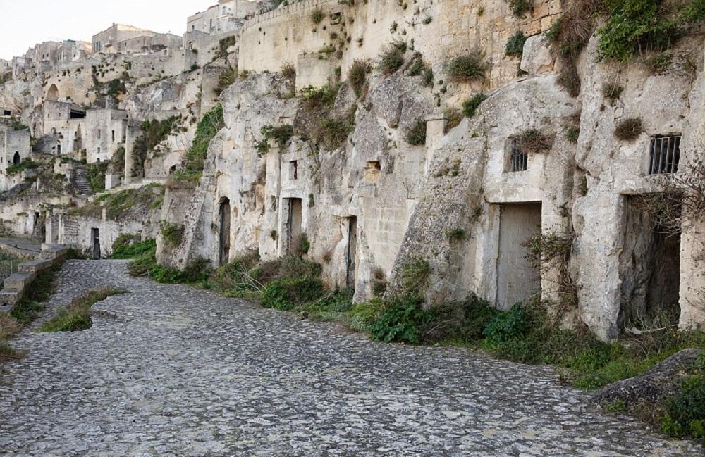 غارهای ماترا در ایتالیا