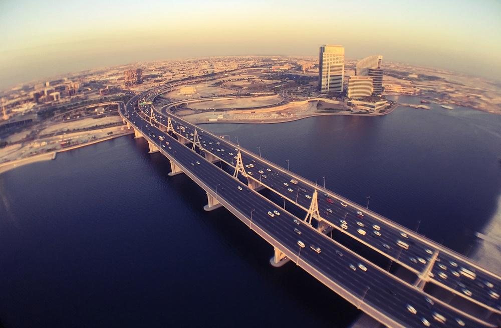 عبور از خلیج تجاری دبی