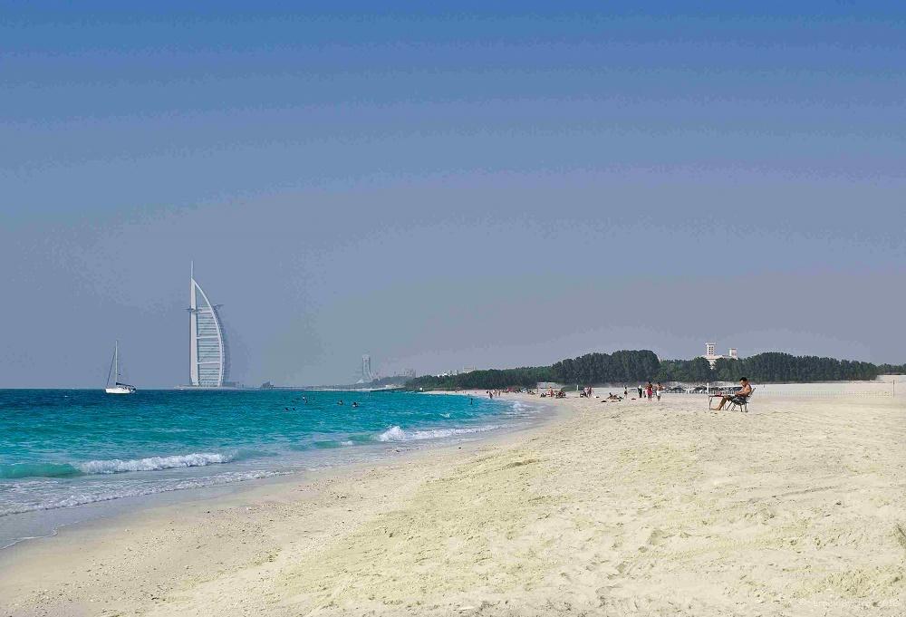 یک پیک نیک در ساحل دبی