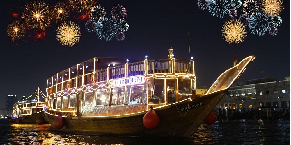 شام کریسمس در کشتی کروز دبی