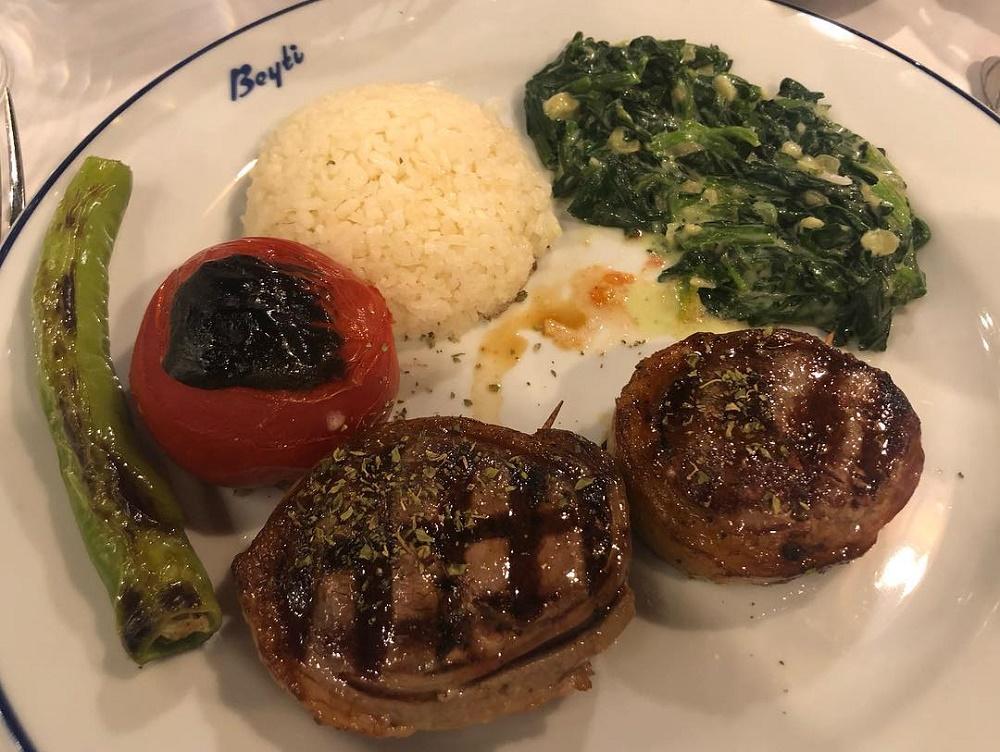 غذاهای کبابی رستوران بیتی